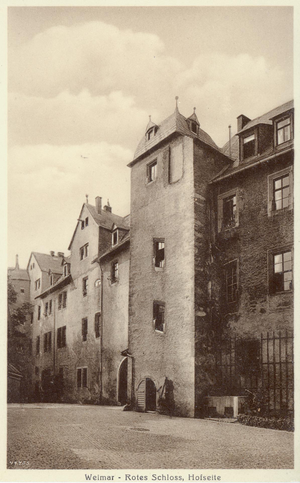 Rotes Schloss, Hofseite