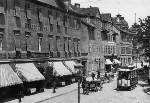 """Karsplatz mit Hotel """"Russischer Hof """""""
