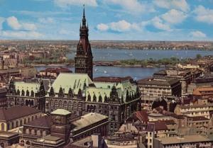Rathaus mit Alster